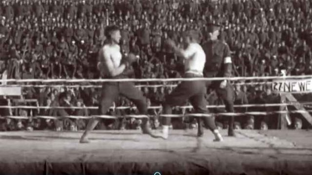 Two soldiers boxing during World War I